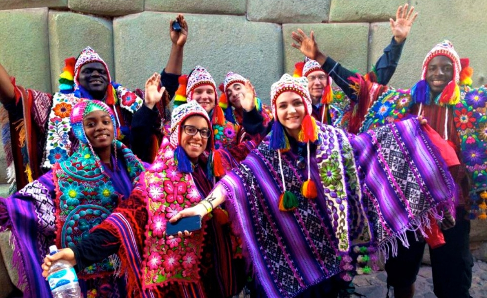 UC Blue Ash students in Peruvian outfits
