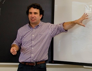 Professor Rob Gioelli teaching class