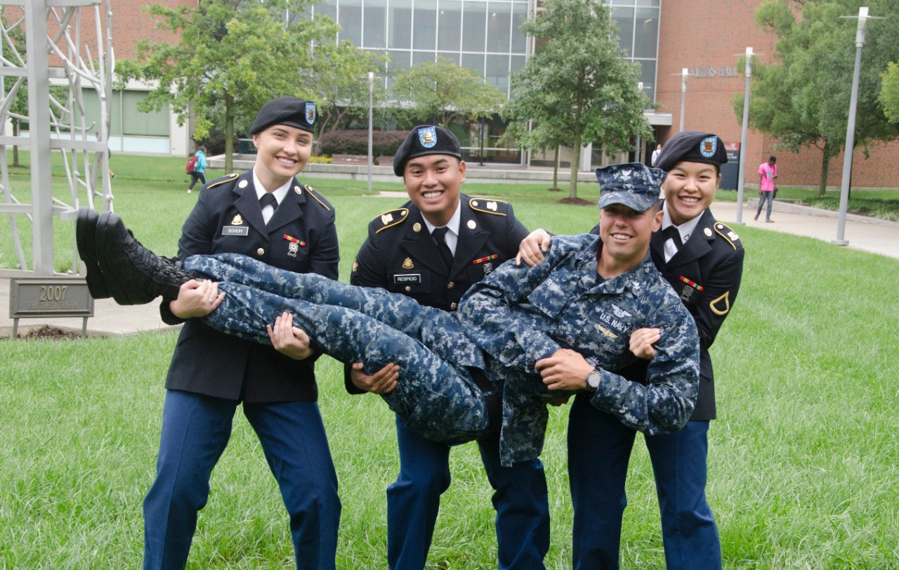 UC Blue Ash student veterans posing after flag ceremony